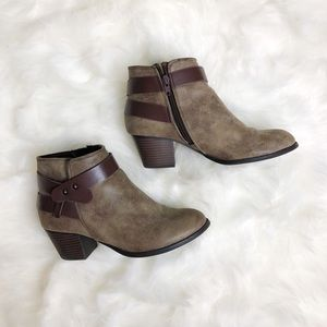 Women's Soda booties size 7